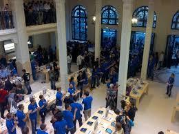 Apple Store Paris Apple Opens Paris Opera Store In The Most Romantic City Of The