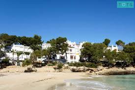 round table hermosa beach hermosa beach apartment family holidays mallorca balearic islands