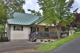 holly grove 1 cabin in pigeon forge w 3 br sleeps30