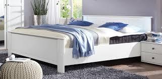 chambre bois blanc awesome chambre bois massif adulte ideas matkin info matkin info