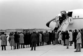 On This Day In History This Day In History Ronald Reagan Welcomes The Iran Hostages Home