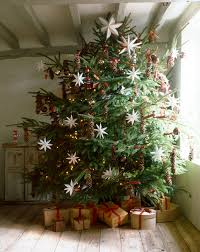 this fat branchy christmas tree makes me happy christmas