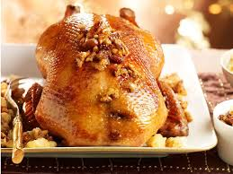 cuisiner une oie pour no oie farcie aux poires et mendiants recettes femme actuelle