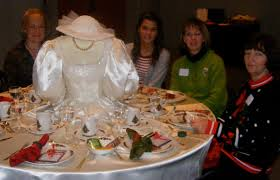 wedding dresses indianapolis a wedding gown as a table cloth classic cleaners of indianapolis