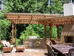 Backyard Dining by Outdoor Dining