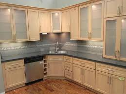 maple cabinet kitchen ideas best 25 maple kitchen cabinets ideas on craftsman