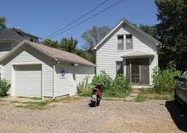 One Bedroom Apartments Iowa City Uirentals Providing A Better Quality Well Maintained Rental