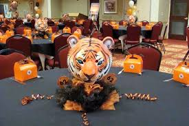 centerpieces for class reunions 3d styrofoam mascot sign tutorial at http mgilbert net foam html