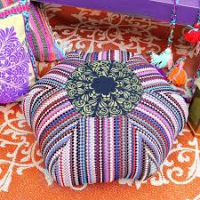 Diy Outdoor Rug With Fabric Rag Rug Floor Pouf Diy Hometalk