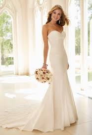 wedding dresses for abroad this pretty strapless stella york gown would be for a hot
