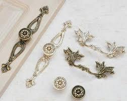 Kitchen Cabinets Door Knobs 101 Best Door Knobs Drawer Pulls Images On Pinterest Door Knobs