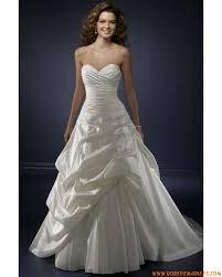robe de mariã e princesse pas cher robe de mariée princesse bustier bouillonné sans manches dos nu