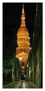 cupola novara cupola san gaudenzio la notte foto di basilica di san
