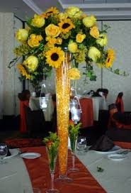 sunflower centerpiece fleur du jour sunflower centerpiece josie this would be