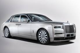 rolls royce cullinan new rolls royce phantom revealed carbuyer