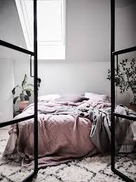 Apartment Bedroom Designs Best 25 Apartment Bedroom Decor Ideas On Pinterest College