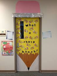 New Year S Day Decorations Ideas by Best 25 Class Door Decorations Ideas On Pinterest Classroom