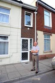 Narrowest House In The World Narrowest House In Britain Goes On Market For Staggering 125 000