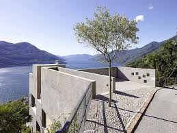 pool terrace with sunken bar is not the only architectural wonder