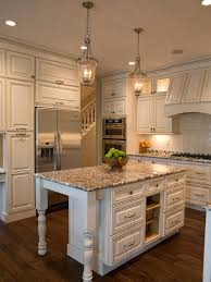 cottage style kitchen island best 25 cottage kitchens with islands ideas on