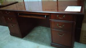 Kimball Reception Desk Used Kimball Traditional 3672desk Mahogany U2013 Mad Man Mund