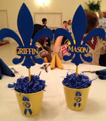 blue and gold cub scout banquet centerpieces but use empty cans