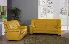 canape jaune cuir canapé classique en cuir 2 places jaune tangram 9484