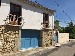 Pool Houses With Bathrooms Spacious Light And Airy 4 Bedroom 2 Bathroom Stone House With