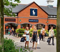 designer outlets hotels near cheshire oaks shopping centre carden park hotel