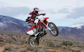 honda crf 450 motocross bike in action u003c motorcycles u003c vehicles