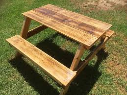 Plans For Building Picnic Table Bench by Diy Pallet Picnic Table For Kids 101 Pallets
