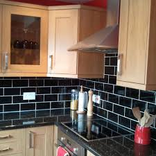 Kitchens With Black Countertops Kitchen Backsplashes Grey Kitchen Walls Black Countertops