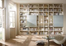 bibliothek wohnzimmer wohnwand bücherwand bibliothek lack weiß matt