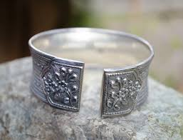pawn shop wedding rings how much do pawn shops pay for silver pawnguru