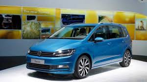 volkswagen minivan 2015 2015 volkswagen touran brings its larger footprint to geneva