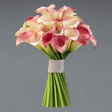 vera wang flowers look vera wang s new floral collection with ftd bridalguide