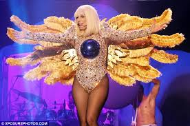 gaga transforms to octopus for the sea themed