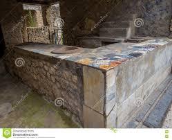 cuisine romaine antique cuisine romaine antique à pompeii image stock image 77932483
