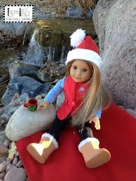 make a santa hat from felt for your favorite doll or stuffed