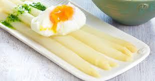 comment cuisiner des asperges blanches comment cuisiner les asperges colruyt
