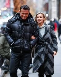 joanna krupa thanksgiving day in chicago