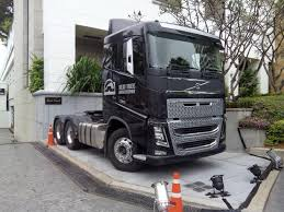 mitsubishi truck indonesia motoring malaysia trucking volvo fh16 xl 610 at the hilton in