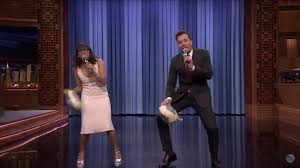 jimmy fallon rashida jones perform epic thanksgiving medley