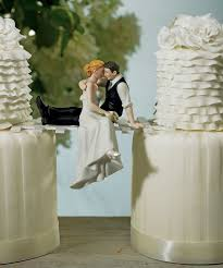 unique wedding cake topper 22 awesome wedding cake toppers