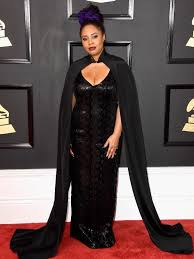 E Red Carpet Grammys Grammy Awards Red Carpet 2017 Dresses Suits And From
