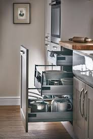 18 best howdens kitchens images on pinterest howdens kitchens our internal soft close 3 drawer base unit maximises the storage space in your shaker kitchen fairford cashmere kitchen from the shaker collection by