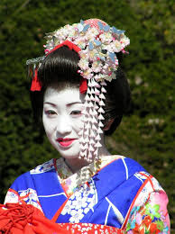 what are the differences between a geisha a maiko and a geiko