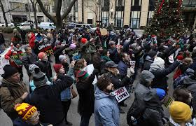 target black friday chicago michigan avenue protest urges boycott awareness of police