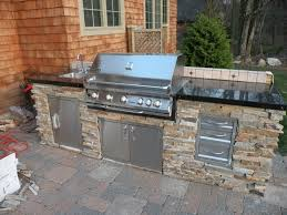 Outdoor Kitchen Designs For Small Spaces Best 20 Small Outdoor Kitchens Ideas On Pinterest Outdoor