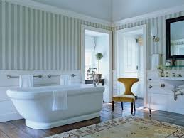 English Style Home Freestanding Bathtub With Classic Style Bath Environments French